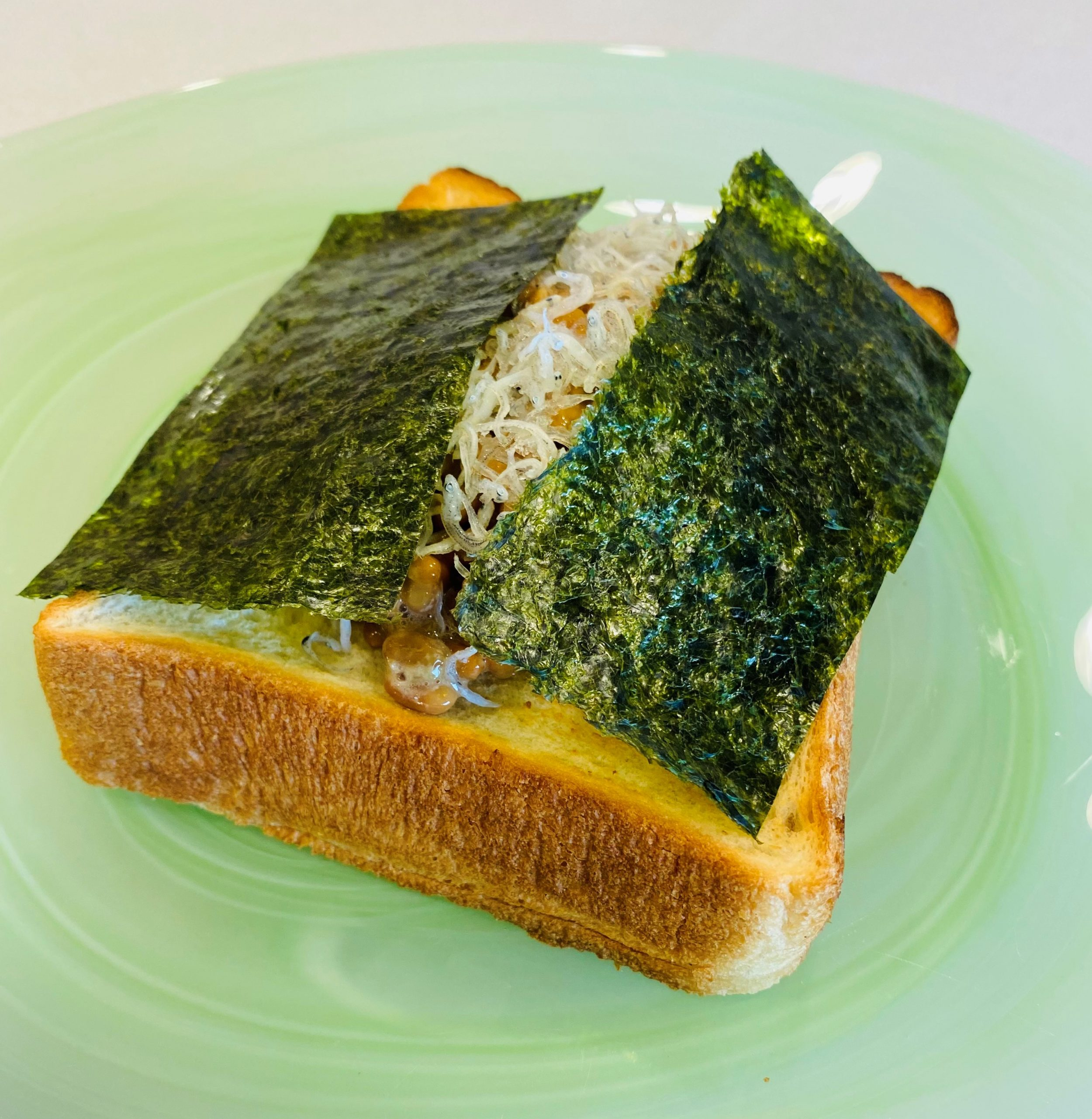 納豆しらすトースト イメージ